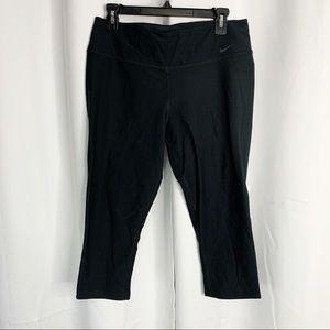 Nike dry fit black large capris workout pants